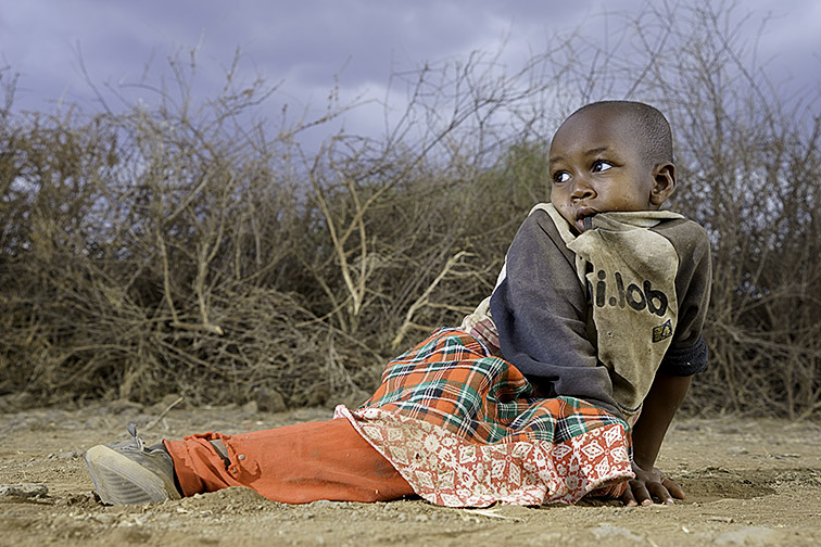 Masai-Kind-Lake-Amboseli-Fotoreise-Fotosafari_Kenia-DSC3967