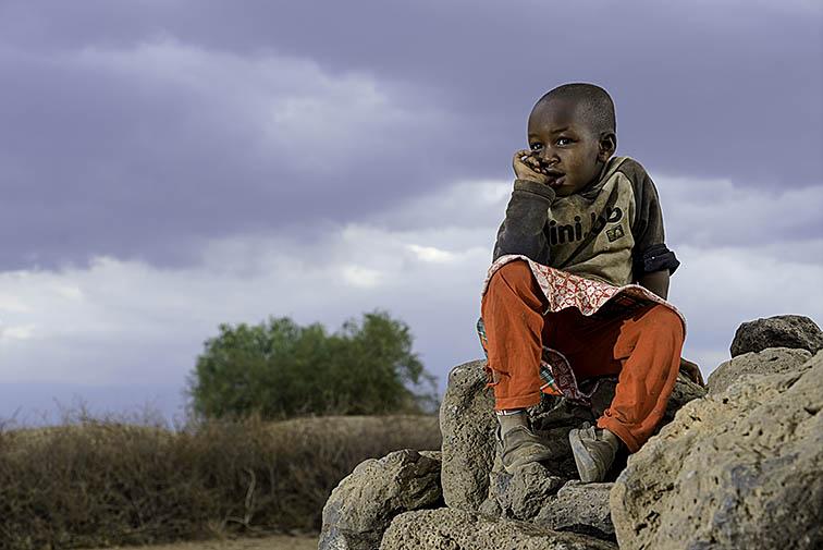 Masai-Kind-Lake-Amboseli-Fotoreise-Fotosafari_Kenia-_DSC3975